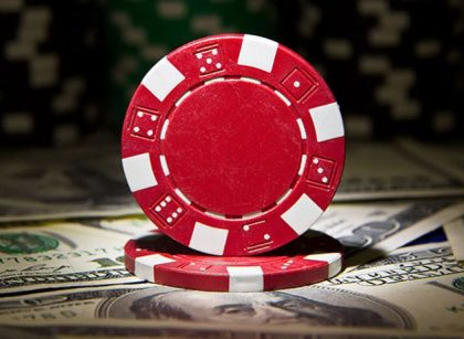 How to earn money by playing online poker