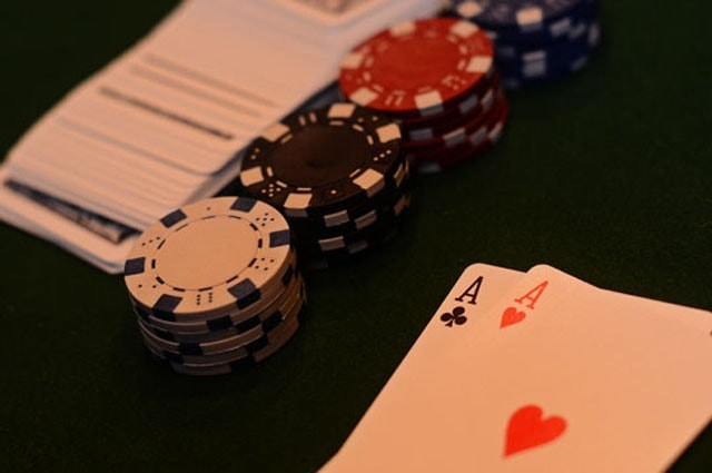 My 5 Best Pro Tips for Fast-Fold Poker Strategy